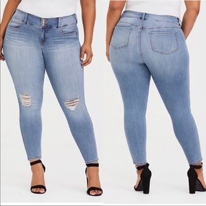 Torrid Premium Light Wash Jegging Jeans